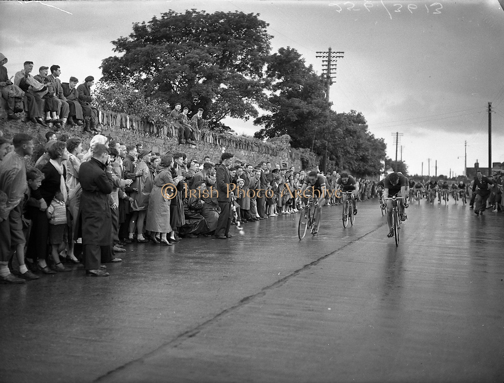The Dublin Duathlon enjoys great popularity even in the past. Look at wonderful images from Irish Photo Archive which describe what thousand words can't say.