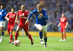 LONDON, ENGLAND - Saturday, April 14, 2012: Everton's Nikica Jelavic in action against Liverpool during the FA Cup Semi-Final match at Wembley. (Pic by David Rawcliffe/Propaganda)