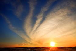 Dunas de areia ao pôr-do-sol na praia de Imbé. FOTO: Jefferson Bernardes/Preview.com