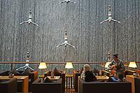 Emirats Arabes Unis, Dubai, la fountain du Centre commercial Mall of the Emirates // United Arab Emirates, Dubai, Fountain of the Mall of the Emirates commercial center