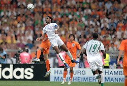 16-06-2006 VOETBAL: FIFA WORLD CUP: NEDERLAND - IVOORKUST: STUTTGART <br /> Oranje won in Stuttgart ook de tweede groepswedstrijd. Nederland versloeg Ivoorkust met 2-1 / Aanvoerder Didier Drogba<br /> ©2006-WWW.FOTOHOOGENDOORN.NL