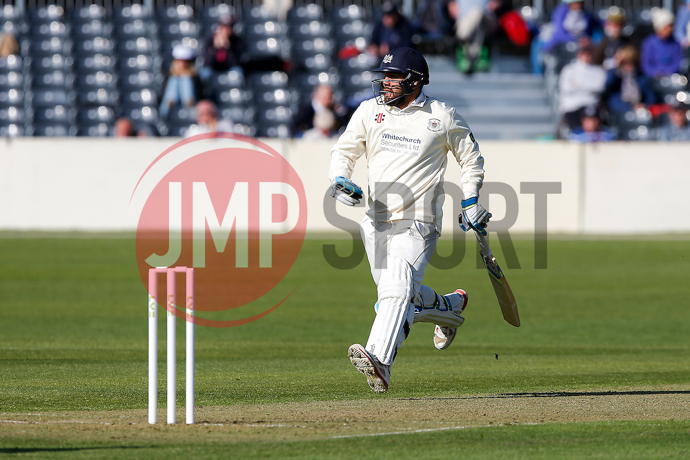 Kieran Noema-Barnett of Gloucestershire makes a run - Photo mandatory by-line: Rogan Thomson/JMP - 07966 386802 - 26/04/2015 - SPORT - CRICKET - Bristol, England - Bristol County Ground - Gloucestershire v Derbyshire — Day 1 - LV= County Championship Division Two.