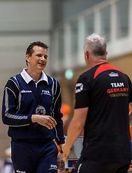 05-06-2016 NED: Nederland - Duitsland, Doetinchem<br /> Nederland speelt de laatste oefenwedstrijd ook in  Doetinchem en speelt gelijk 2-2 in een redelijk duel van beide kanten / Coach Vital Heijnen in discussie met de scheidsrechter