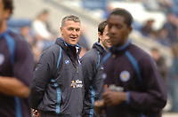 Photo: Leigh Quinnell.<br /> Leicester City v Preston North End. Coca Cola Championship. 15/04/2006. New Leicester manager Rob Kelly warms the players up before the game.