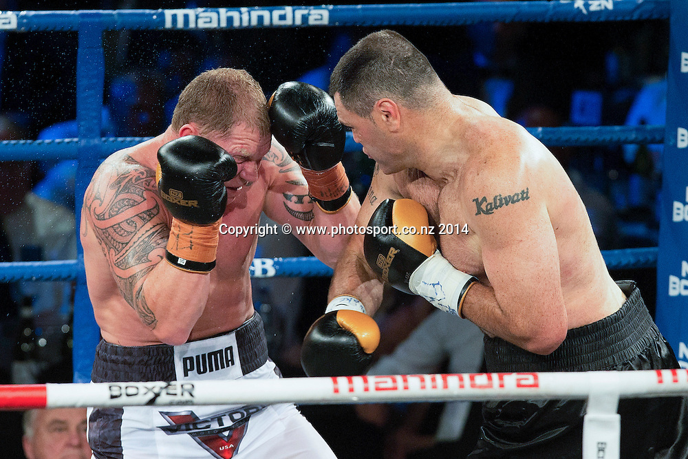 Shane `The Mountain Warrior` Cameron fights Kali `Mean Hands` Meehan in the Mahindra Super 8 Fight Night, North Shore Events Centre, Auckland, New Zealand, Saturday, November 22, 2014. Photo: David Rowland/Photosport