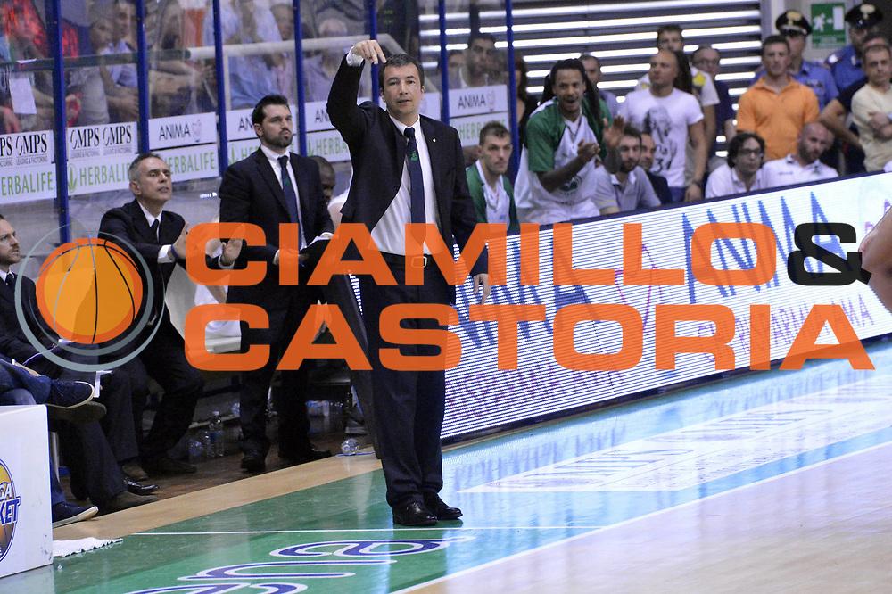 DESCRIZIONE : Roma Lega A 2012-2013 Montepaschi Siena Acea Roma playoff finale gara 4<br /> GIOCATORE : Luca Banchi <br /> CATEGORIA : Curiosita <br /> SQUADRA : Montepaschi Siena<br /> EVENTO : Campionato Lega A 2012-2013 playoff finale gara 4<br /> GARA : Montepaschi Siena Acea Roma<br /> DATA : 17/06/2013<br /> SPORT : Pallacanestro <br /> AUTORE : Agenzia Ciamillo-Castoria/GiulioCiamillo<br /> Galleria : Lega Basket A 2012-2013  <br /> Fotonotizia : Roma Lega A 2012-2013 Montepaschi Siena Acea Roma playoff finale gara 4<br /> Predefinita :