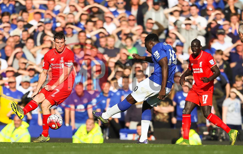 Everton's Romelu Lukaku fires a shot at goal  - Mandatory byline: Matt McNulty/JMP - 07966 386802 - 04/10/2015 - FOOTBALL - Goodison Park - Liverpool, England - Everton  v Liverpool - Barclays Premier League
