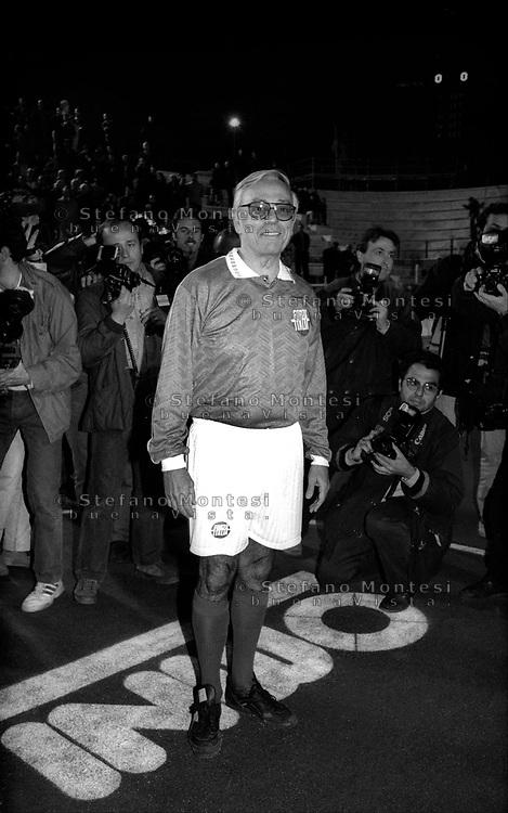 Roma  1995.Cesare Previti in tenuta da giocatore al torneo di calcetto  tra i partiti della Casa delle Libertà