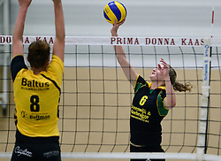 25-10-2014 NED: Prima Donna Kaas Huizen - SV Dynamo Apeldoorn, Huizen<br /> Apeldoorn pakt de drie punten door Huizen met 3-0 te verslaan / Kirsten Sparnaay
