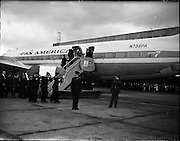 Security Officer Mr. F. Eiver's body arrives at Dublin Airport..1961..29.09.1961..09.29.1961..29th September 1961...Image shows the removal of the coffin containing the body of Mr F Eivers from the Pan Am aircraft at Dublin Airport. Mr Eivers was part of the United Nations peace keeping force in the Congo when he was killed.