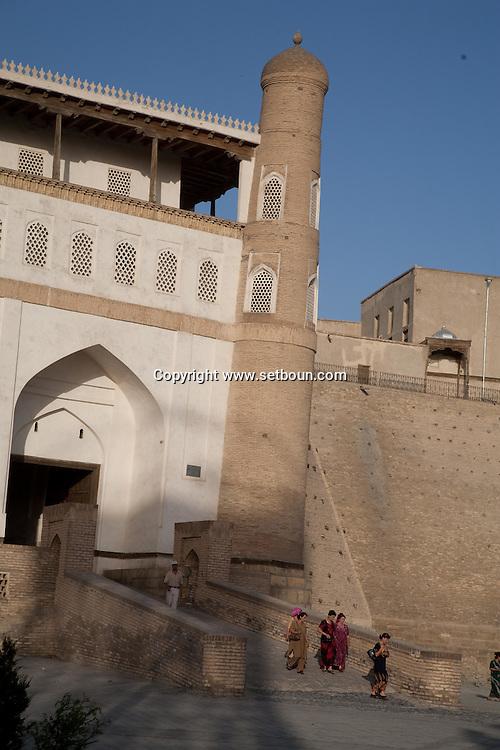 Citadel of Ark place of the Amir palace  Boukhara  Ouzbekistan  .///.Citadelle appele ark et Registan, le siege du palais de l emir  Boukara  Ouzbekistan .///.OUZB56273