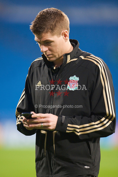 MADRID, SPAIN - Wednesday, February 25, 2009: Liverpool's captain Steven Gerrard MBE before the UEFA Champions League First Knock-Out Round against Real Madrid at the Santiago Bernabeu. (Photo by David Rawcliffe/Propaganda)