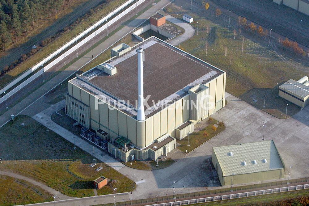 Luftaufnahme der Pilotkonditionierungsanlage auf dem Gel&auml;nde des Zwischenlagers in Gorleben.<br /> <br /> Ort: Gorleben<br /> Copyright: Andreas Conradt<br /> Quelle: PubliXviewinG