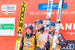 25.03.2018, Planica, Ratece, SLO, FIS Weltcup Ski Sprung, Planica, Skiflug, Einzelbewerb, Finale, im Bild Kamil Stoch (POL, 2. Platz), Andreas Stjernen (NOR) mit der Weltcup Kristallkugel im Skifliegen, Robert Johansson (NOR, 3. Platz) // 2nd placed Kamil Stoch of Poland Andreas Stjernen of Norway with the Crystal Globe for the Skiflying Worldcup 3rd placed Robert Johansson of Norway during the Ski Flying Hill individual competition of the FIS Ski Jumping World Cup Final 2018 at Planica in Ratece, Slovenia on 2018/03/25. EXPA Pictures © 2018, PhotoCredit: EXPA/ JFK