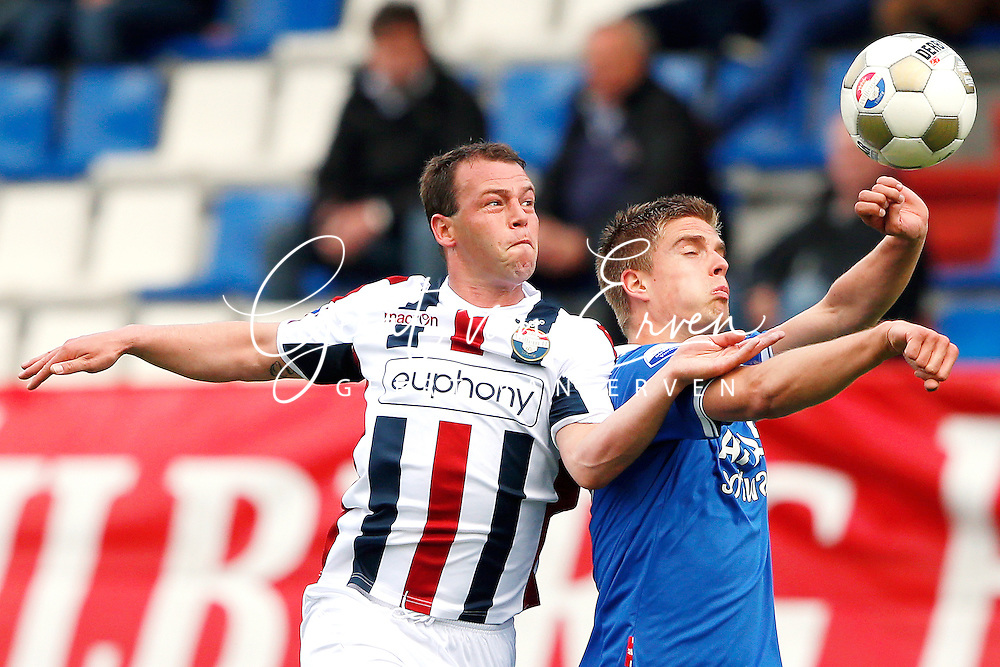 Onderwerp/Subject: Willem II - AZ Alkmaar - Eredivisie<br /> Reklame:  <br /> Club/Team/Country: <br /> Seizoen/Season: 2012/2013<br /> FOTO/PHOTO: Nicky HOFS ( Nick HOFS ) (L) of Willem II in duel with Markus HENRIKSEN (R) of AZ Alkmaar. (Photo by PICS UNITED)<br /> <br /> Trefwoorden/Keywords: <br /> #04 $94 ±1355244121349<br /> Photo- & Copyrights © PICS UNITED <br /> P.O. Box 7164 - 5605 BE  EINDHOVEN (THE NETHERLANDS) <br /> Phone +31 (0)40 296 28 00 <br /> Fax +31 (0) 40 248 47 43 <br /> http://www.pics-united.com <br /> e-mail : sales@pics-united.com (If you would like to raise any issues regarding any aspects of products / service of PICS UNITED) or <br /> e-mail : sales@pics-united.com   <br /> <br /> ATTENTIE: <br /> Publicatie ook bij aanbieding door derden is slechts toegestaan na verkregen toestemming van Pics United. <br /> VOLLEDIGE NAAMSVERMELDING IS VERPLICHT! (© PICS UNITED/Naam Fotograaf, zie veld 4 van de bestandsinfo 'credits') <br /> ATTENTION:  <br /> © Pics United. Reproduction/publication of this photo by any parties is only permitted after authorisation is sought and obtained from  PICS UNITED- THE NETHERLANDS