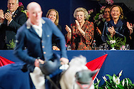 AMSTERDAM - Beatrix en Margarita tijdens Jumping Amsterdam Prinses Margarita ontvangt haar peettante prinses Beatrix bij Jumping Amsterdam. Margarita is bestuurslid van het paardensportevenement in de RAI. <br /> AMSTERDAM - Beatrix and Margarita at Jumping Amsterdam Princess Margarita received her godmother Princess Beatrix at Jumping Amsterdam. Margarita is a board member of the equestrian event at the RAI. copyright robin utrecht
