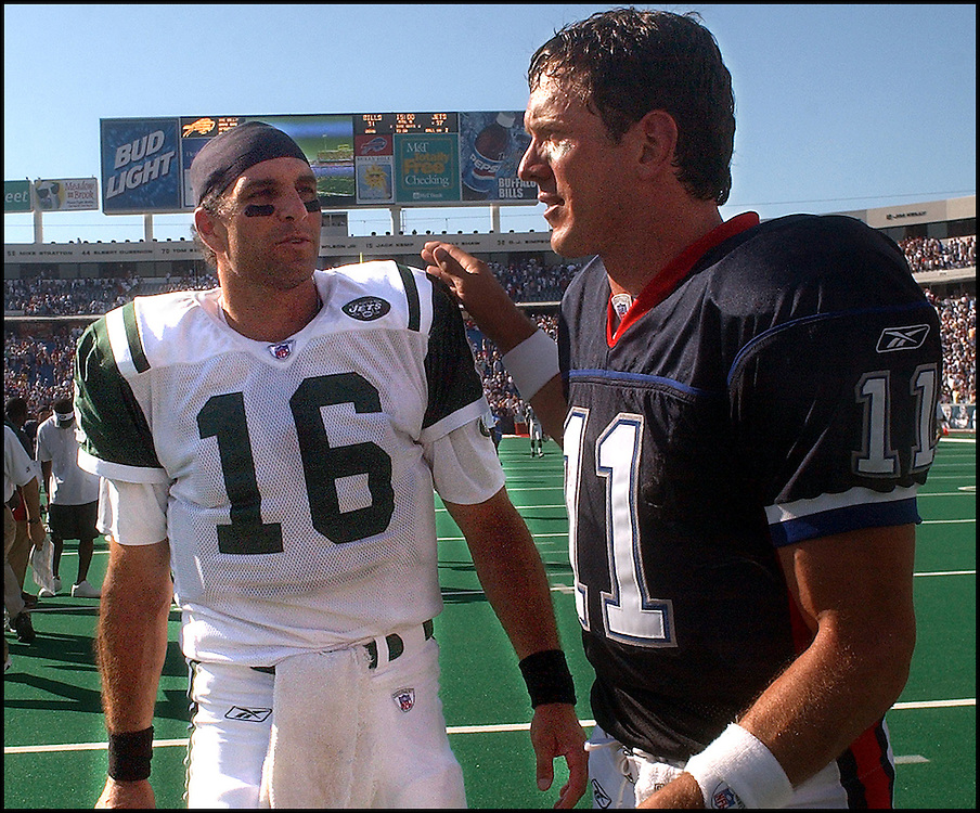 (09/08/02 Buffalo, NY) Buffalo Bills vs NY Jets. (090802billsmjs-Staff photo by Michael SeamanDrew Bledsoe and Vinny Testaverde after the game. . Saved in photo Mon/CD.)