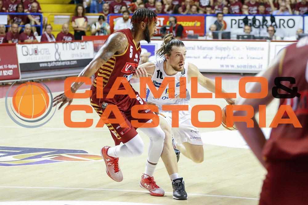 Andres Pablo Forray<br /> Umana Reyer Venezia - Dolomiti Energia Aquila Basket Trento<br /> Lega Basket Serie A 2016/17 Finali Gara 01<br /> Venezia, 10/06/2017<br /> Foto Ciamillo-Castoria / M. Brondi