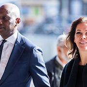 NLD/Amsterdam/20171014 - Besloten erdenkingsdienst overleden burgemeester Eberhard van der Laan, Annemarie van Gaal en partner Rhandy Macnack