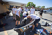 In Battle Mountain (Nevada) wordt ieder jaar de World Human Powered Speed Challenge gehouden. Tijdens deze wedstrijd wordt geprobeerd zo hard mogelijk te fietsen op pure menskracht. Het huidige record staat sinds 2015 op naam van de Canadees Todd Reichert die 139,45 km/h reed. De deelnemers bestaan zowel uit teams van universiteiten als uit hobbyisten. Met de gestroomlijnde fietsen willen ze laten zien wat mogelijk is met menskracht. De speciale ligfietsen kunnen gezien worden als de Formule 1 van het fietsen. De kennis die wordt opgedaan wordt ook gebruikt om duurzaam vervoer verder te ontwikkelen.<br /> <br /> In Battle Mountain (Nevada) each year the World Human Powered Speed ??Challenge is held. During this race they try to ride on pure manpower as hard as possible. Since 2015 the Canadian Todd Reichert is record holder with a speed of 136,45 km/h. The participants consist of both teams from universities and from hobbyists. With the sleek bikes they want to show what is possible with human power. The special recumbent bicycles can be seen as the Formula 1 of the bicycle. The knowledge gained is also used to develop sustainable transport.