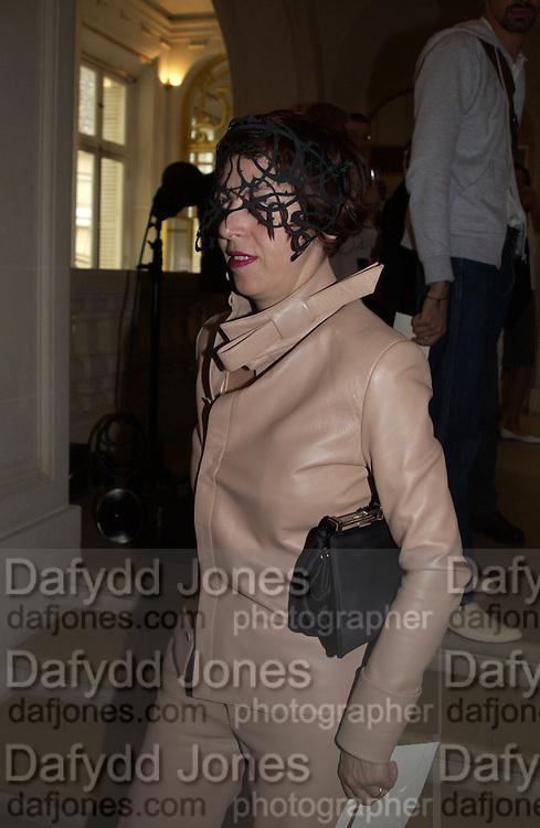 Isabella Blow. Gaultier couture. 11, Place des Etats-Unis. Paris. © Copyright Photograph by Dafydd Jones 66 Stockwell Park Rd. London SW9 0DA Tel 020 7733 0108 www.dafjones.com
