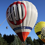 Mikko Kujala, Finland, and his crew prepare to launch during a practice flight during the World Hot Air Ballooning Championships in Battle Creek, Michigan, USA. 17th August 2012. Photo Tim Clayton