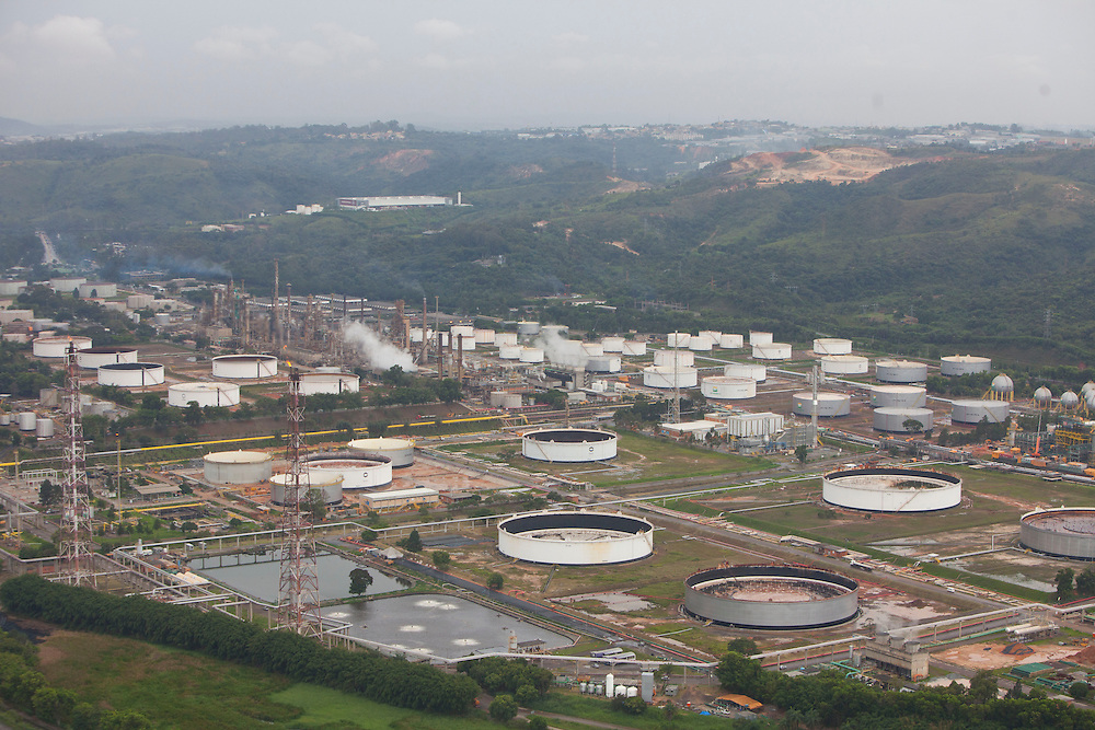 Betim_MG. Brasil.<br /> <br /> Imagem  aerea da Regap. Refinaria Gabriel Passos da Petrobras em Betim, Minas Gerais.<br /> <br /> Aerial view of Regap. Gabriel Passos refinery of Petrobras in Betim, Minas Gerais.<br /> <br /> Foto: RODRIGO LIMA / NITRO