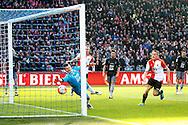 24-04-2016 VOETBAL: KNVB BEKERFINALE FEYENOORD-FC UTRECHT: ROTTERDAM <br /> <br /> Michiel Kramer van Feyenoord (buiten beeld) maakt de 1-0 langs doelman Filip Bednarek van FC Utrecht<br />  en Jens Toornstra van Feyenoord kijkt toe<br /> <br /> foto: Geert van Erven