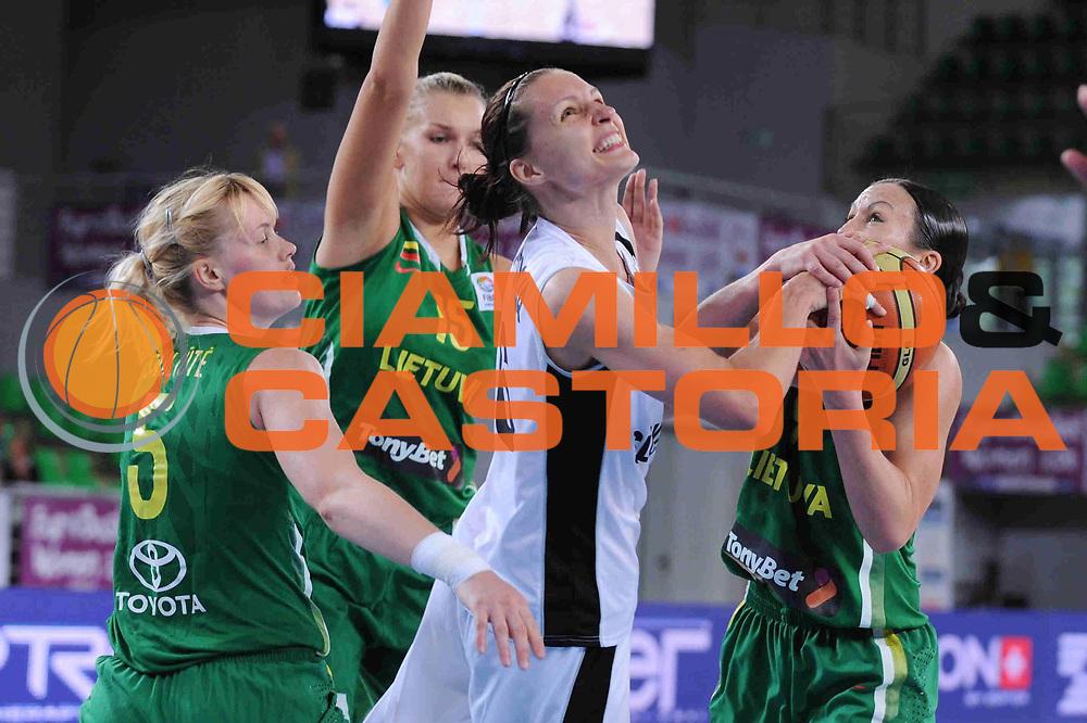 DESCRIZIONE : Bydgoszcz Poland Polonia Eurobasket Women 2011 Round 1 Slovacchia Lituania Slovak Republic Lithuania<br /> GIOCATORE : Lucia Kupcikova<br /> SQUADRA : Slovacchia Slovak Republic<br /> EVENTO : Eurobasket Women 2011 Campionati Europei Donne 2011<br /> GARA : Slovacchia Lituania Slovak Republic Lithuania<br /> DATA : 20/06/2011 <br /> CATEGORIA : <br /> SPORT : Pallacanestro <br /> AUTORE : Agenzia Ciamillo-Castoria/M.Marchi<br /> Galleria : Eurobasket Women 2011<br /> Fotonotizia : Bydgoszcz Poland Polonia Eurobasket Women 2011 Round 1 Slovacchia Lituania Slovak Republic Lithuania<br /> Predefinita :