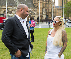 2016-05-24 Anti-puppy farming protest features Jodie Marsh as celebrity speaker