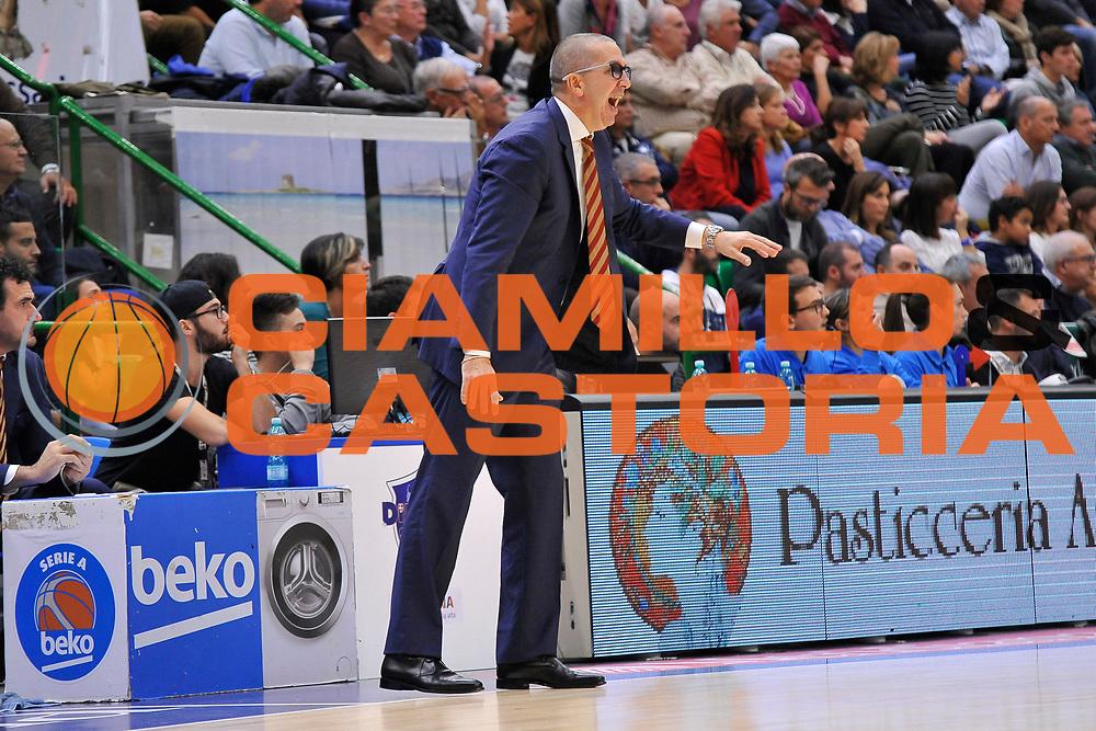 DESCRIZIONE : Campionato 2015/16 Serie A Beko Dinamo Banco di Sardegna Sassari - Umana Reyer Venezia<br /> GIOCATORE : Walter De Raffaele<br /> CATEGORIA : Allenatore Coach<br /> SQUADRA : Umana Reyer Venezia<br /> EVENTO : LegaBasket Serie A Beko 2015/2016<br /> GARA : Dinamo Banco di Sardegna Sassari - Umana Reyer Venezia<br /> DATA : 01/11/2015<br /> SPORT : Pallacanestro <br /> AUTORE : Agenzia Ciamillo-Castoria/C.Atzori