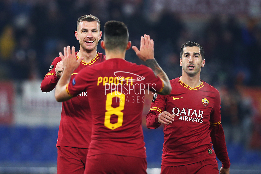 Edin Dzeko of Roma celebrates with his teammates after scoring 2-1 goal during the UEFA Europa League, Group J football match between AS Roma and Wolfsberg AC on December 12, 2019 at Stadio Olimpico in Rome, Italy - Photo Federico Proietti / ProSportsImages / DPPI