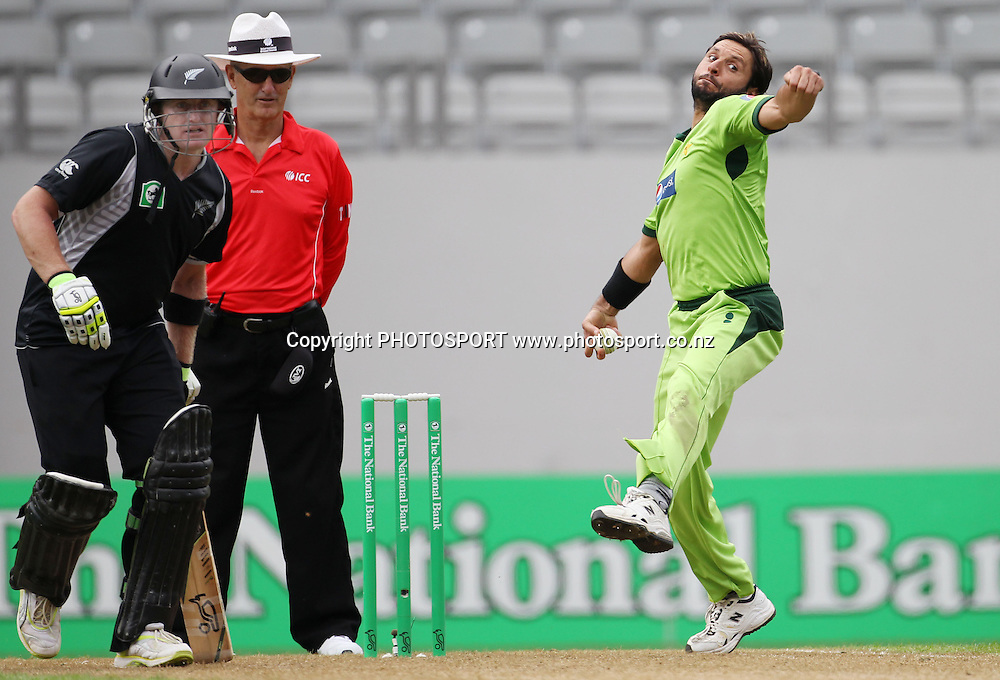 Pakistan captain Shahid Afridi bowling during the 6th ODI, Black Caps v Pakistan, One Day International Cricket. Eden Park, Auckland, New Zealand. Saturday 5 February 2011. Photo: Andrew Cornaga/photosport.co.nz
