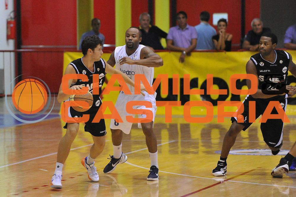 DESCRIZIONE : Caorle  6 Torneo di Caorle Trofeo E.Lefebre Pallacanestro Cantu Saie 3 Bologna<br /> GIOCATORE : matteo imbro<br /> CATEGORIA : palleggio<br /> SQUADRA : Pallacanestro Cantu Saie 3 Bologna<br /> EVENTO : Trofeo E.Lefebre <br /> GARA : Pallacanestro Cantu<br /> DATA : 15/09/2012<br /> SPORT : Pallacanestro <br /> AUTORE : Agenzia Ciamillo-Castoria/M.Gregolin<br /> Galleria : Precampionato<br /> Fotonotizia : Caorle  6 Torneo di Caorle Trofeo E.Lefebre Pallacanestro Cantu Saie 3 Bologna<br /> Predefinita :