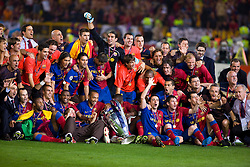 ROME, ITALY - Tuesday, May 26, 2009: Barcelona celebrate winning the European Cup after beating Manchester United 2-0 during the UEFA Champions League Final at the Stadio Olimpico. (Pic by Carlo Baroncini/Propaganda)
