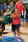 DESCRIZIONE : Bormio Ritiro Nazionale Italiana Maschile Preparazione Eurobasket 2007 Allenamento <br /> GIOCATORE : Daniel Hackett<br /> SQUADRA : Nazionale Italia Uomini EVENTO : Bormio Ritiro Nazionale Italiana Uomini Preparazione Eurobasket 2007 GARA :<br /> DATA : 24/07/2007 <br /> CATEGORIA : Allenamento <br /> SPORT : Pallacanestro <br /> AUTORE : Agenzia Ciamillo-Castoria/S.Silvestri <br /> Galleria : Fip Nazionali 2007 <br /> Fotonotizia : Bormio Ritiro Nazionale Italiana Maschile Preparazione Eurobasket 2007 Allenamento <br /> Predefinita :