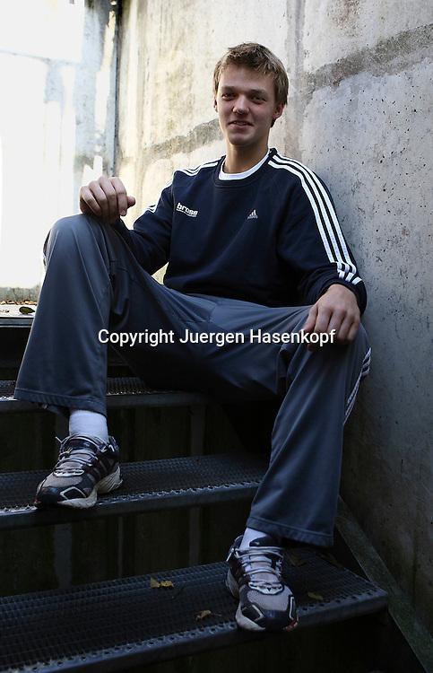 BASE Gang Tennis Spieler  Kevin Krawietz ..von der FORMAXX TennisBase...Photo: Juergen Hasenkopf