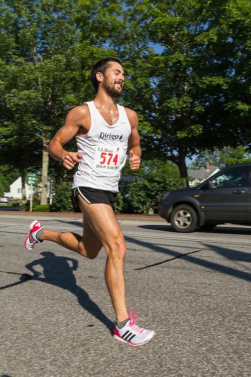 LL Bean 10K road race: Robert Gomez wins race