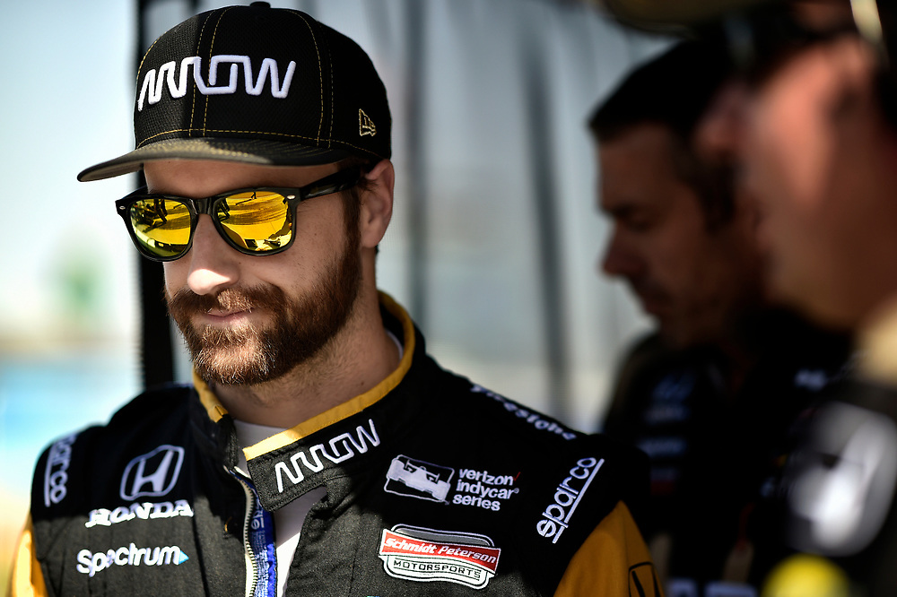 Verizon IndyCar Series<br /> Desert Diamond West Valley Phoenix Grand Prix<br /> Phoenix Raceway, Avondale, AZ USA<br /> Friday 28 April 2017<br /> James Hinchcliffe, Schmidt Peterson Motorsports Honda<br /> World Copyright: Scott R LePage<br /> LAT Images<br /> ref: Digital Image lepage-170428-phx-1135