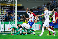 28-05-2016 ITA, UEFA CL Final, Atletico Madrid - Real Madrid, Milaan<br /> Jan Oblak of Atlético and Sergio Ramos of Real Madrid after he scored first goal for Rea<br /> <br /> ***NETHERLANDS ONLY***