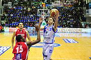 DESCRIZIONE : Sassari Lega A 2012-13 Dinamo Sassari - Scavolini Pesaro<br /> GIOCATORE : Travis Diener<br /> CATEGORIA : Tiro<br /> SQUADRA : Dinamo Sassari<br /> EVENTO : Campionato Lega A 2012-2013 <br /> GARA : Dinamo Sassari - Scavolini Pesaro<br /> DATA : 24/02/2013<br /> SPORT : Pallacanestro <br /> AUTORE : Agenzia Ciamillo-Castoria/M.Turrini<br /> Galleria : Lega Basket A 2012-2013  <br /> Fotonotizia : Sassari Lega A 2012-13 Dinamo Sassari - Scavolini Pesaro<br /> Predefinita :