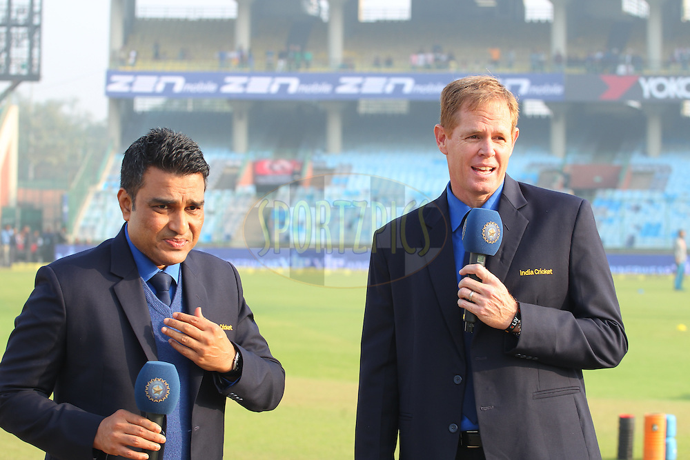 Sanjay Manjrekar  and Shaun Pollock during day two of the 4th Paytm Freedom Trophy Series Test Match between India and South Africa held at the Feroz Shah Kotla Stadium in Delhi, India on the 4th December 2015<br /> <br /> Photo by Ron Gaunt  / BCCI / SPORTZPICS