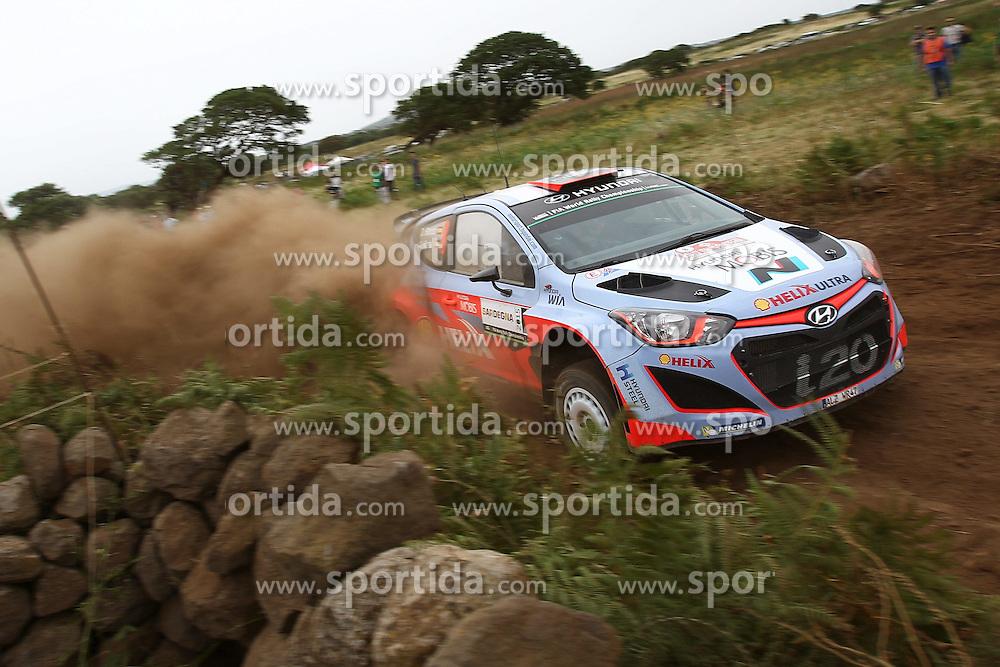 12.06.2015, Putifigari, Alghero, ITA, FIA, WRC, Rally Italia Sardegna 2015, Tag 1, im Bild Dani Sordo/Marc Marti (Hyundai Motorsport/i20 WRC) // during day one of FIA WRC Rallye Italia Sardegna 2015 at Putifigari in Alghero, Italy on 2015/06/12. EXPA Pictures &copy; 2015, PhotoCredit: EXPA/ Eibner-Pressefoto/ Bermel<br /> <br /> *****ATTENTION - OUT of GER*****