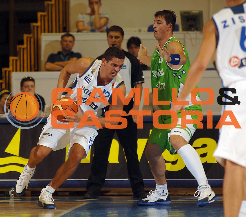 DESCRIZIONE : Belgrado Eurobasket Men 2005 Slovenia-Grecia<br /> GIOCATORE : Tsartsaris<br /> SQUADRA : Grecia Greece<br /> EVENTO : Eurobasket Men 2005 Campionati Europei Uomini 2005<br /> GARA : Grecia Slovenia Greece Slovenia<br /> DATA : 17/09/2005<br /> CATEGORIA :<br /> SPORT : Pallacanestro<br /> AUTORE : Ciamillo&amp;Castoria/Fiba Europe Pool