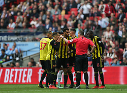 Watford players surround the referee calling for a penalty - Mandatory by-line: Arron Gent/JMP - 18/05/2019 - FOOTBALL - Wembley Stadium - London, England - Manchester City v Watford - Emirates FA Cup Final