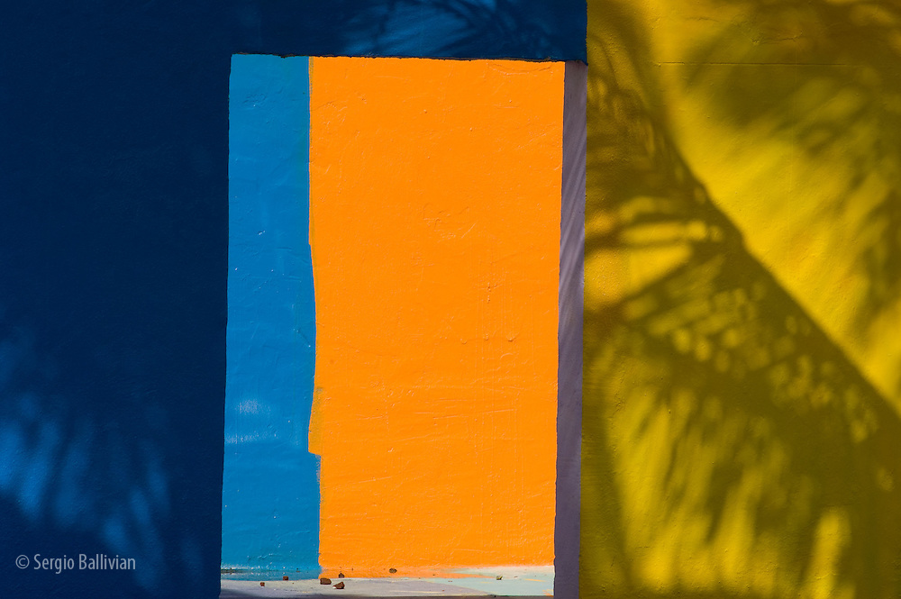 Colored walls in downtown Miami Beach, Florida
