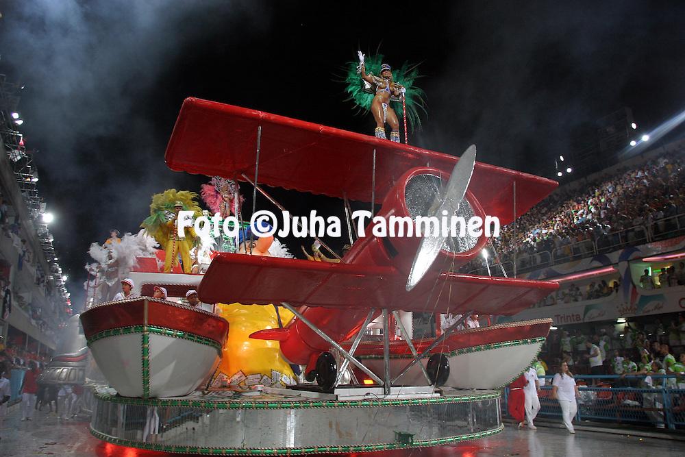 23.02.2004, Samb?dromo, Rio de Janeiro, Brazil..Carnaval 2004 - Desfile das Escolas de Samba, Grupo Especial / Carnival 2004 - Parades of the Samba Schools..Desfile de / Parade of:  GRES Unidos do Porto da Pedra.©Juha Tamminen