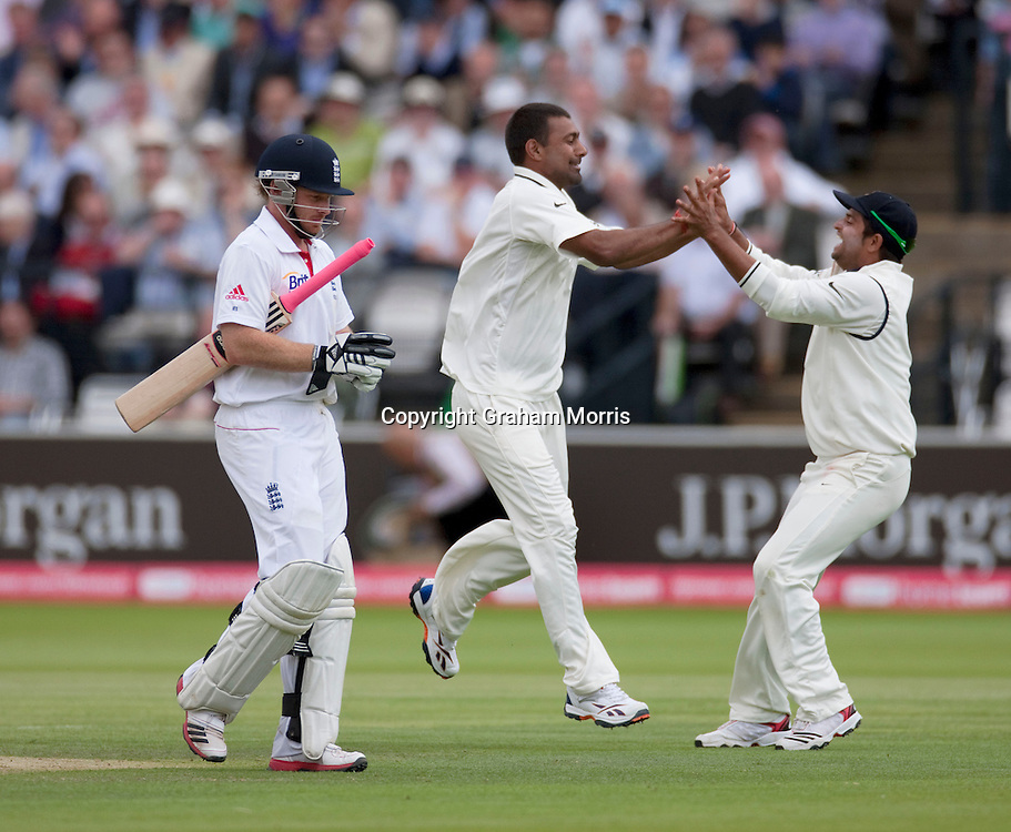 Praveen Kumar celebrates taking the wicket of Ian Bell during the first npower Test Match between England and India at Lord's Cricket Ground, London.  Photo: Graham Morris (Tel: +44(0)20 8969 4192 Email: sales@cricketpix.com) 22/07/11