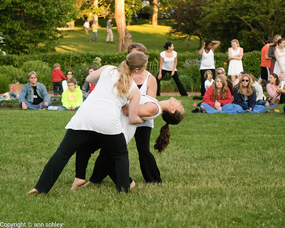 """Night Bloom"" performed by Diane Moncrieff, Natalie Bronw and Lori Mercil at the Dances at the Lakes Festival"