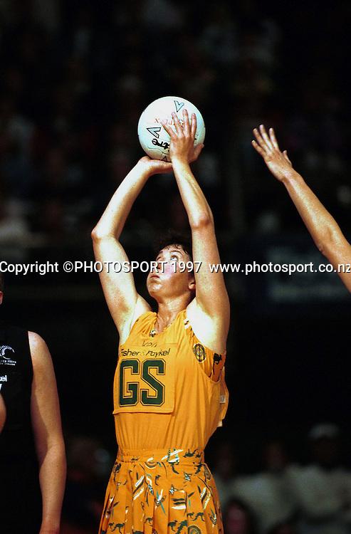 Vicki Wilson - Australia v New Zealand Silver Ferns, 1997. Photo: Andrew Cornaga / Photosport.co.nz